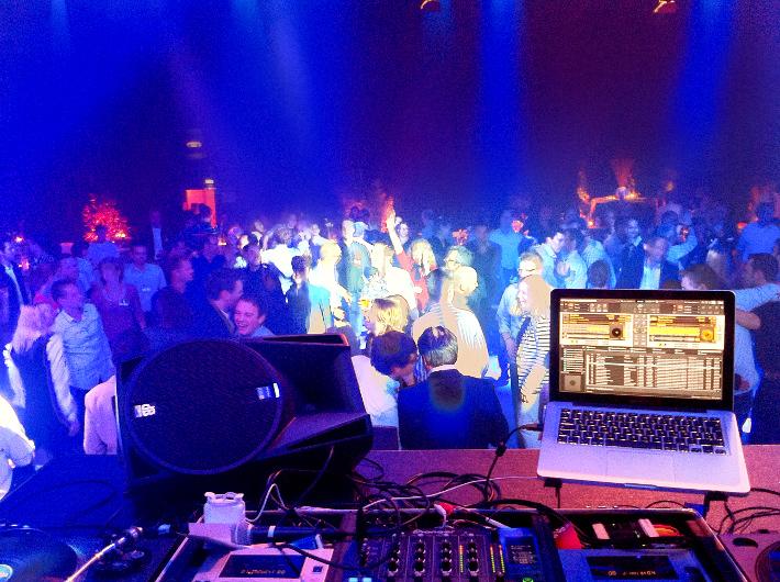 DJ auf einem Firmenenvent in den Medienparks NRW Hürth