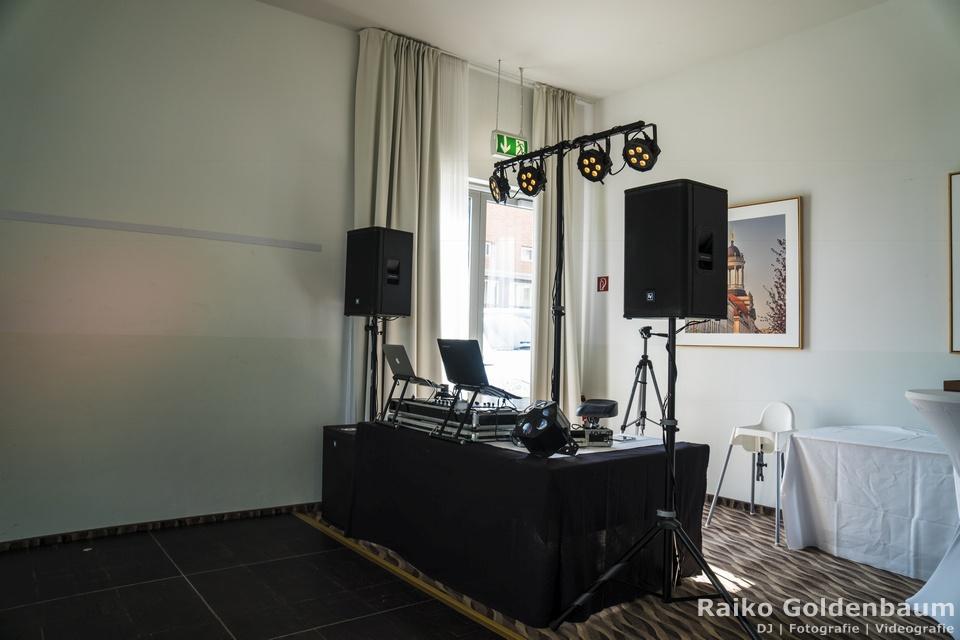 Arcona Hotel am Havelufer Potsdam Aufbau DJ Technik für die Hochzeitsfeier