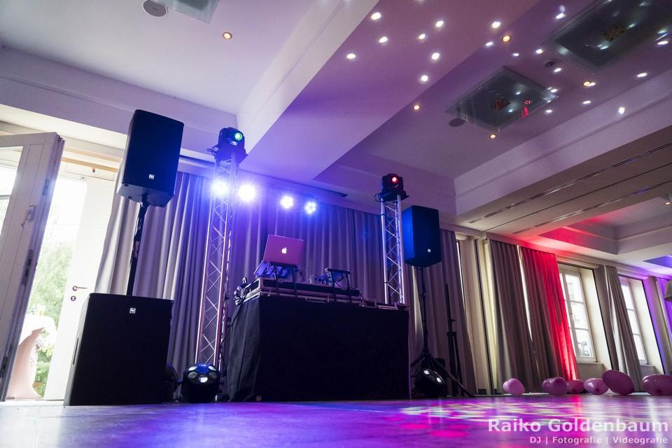 DJ mit Veranstaltungstechnik in Staßfurt